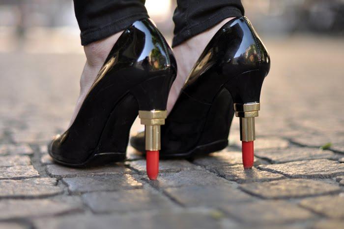 lipstick heel_salto batom