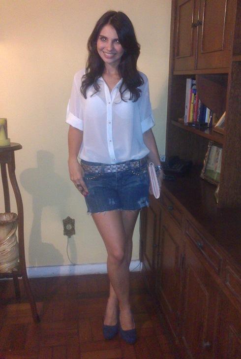 look-jantar-short-jeans-camisa-branca