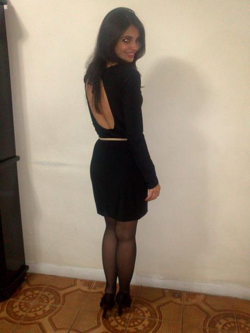 look-vestido-preto-decote-costas