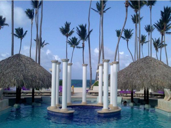 paradisus-palma-real-punta-cana-piscina-royal-service