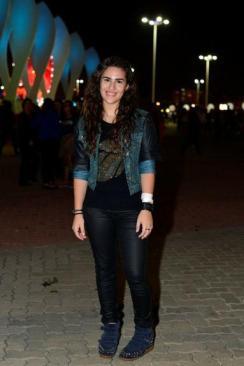 Livian Aragão foi outra que resgatou a moda 2012 dos sneakers. Look básico, valorizando conforto.