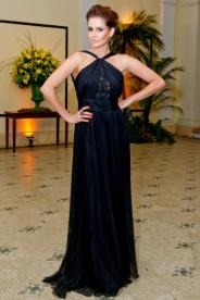Deborah Secco não poderia estar mais elegante... gostaria de saber de onde o vestido é!