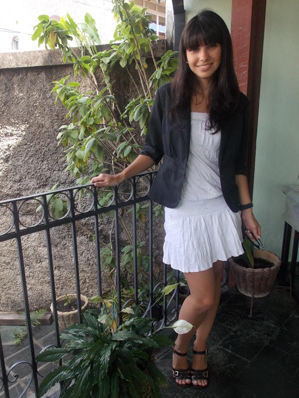 look-sistematicas-gabi-teixeira-vestido-branco-blazer-preto