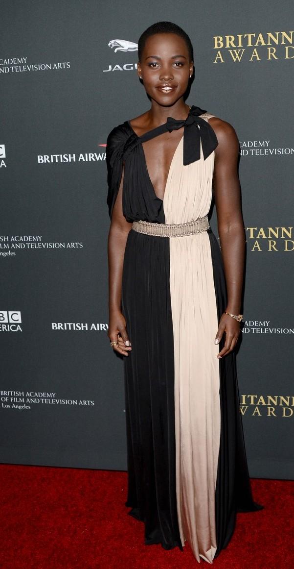 E esse Lanvin de Lupita Nyong'o (não sei quem é você)? UAU! To babando nesse vestido.