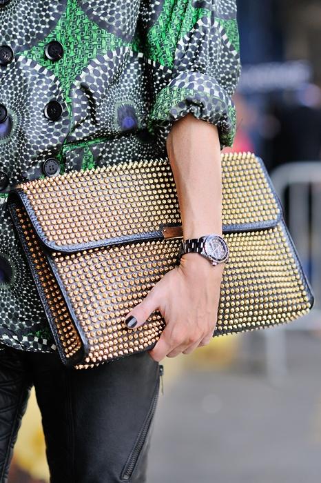 bolsa-carteira-como-usar-look-tachas