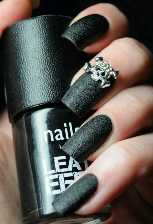 esmalte-de-couro-unhas-leather-nails-2