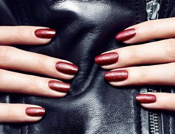 esmalte-de-couro-unhas-leather-nails