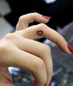 tatuagem-coração-tattoo-heart-dedo-1