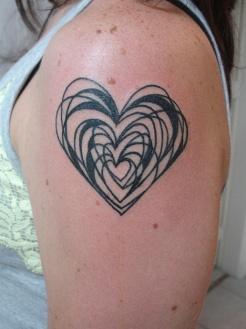 tatuagem-coração-tattoo-heart-ombro
