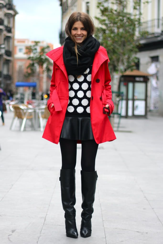 trench-coat-vermelho-red-look-black-1