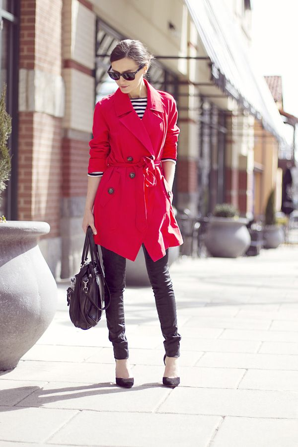 trench-coat-vermelho-red-look-listras