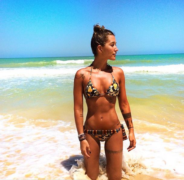 Gabriela Pugliesi: Corpo perfeito na praia perfeita
