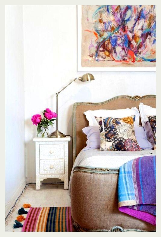 decoração-com-flores-quarto-cabeceira